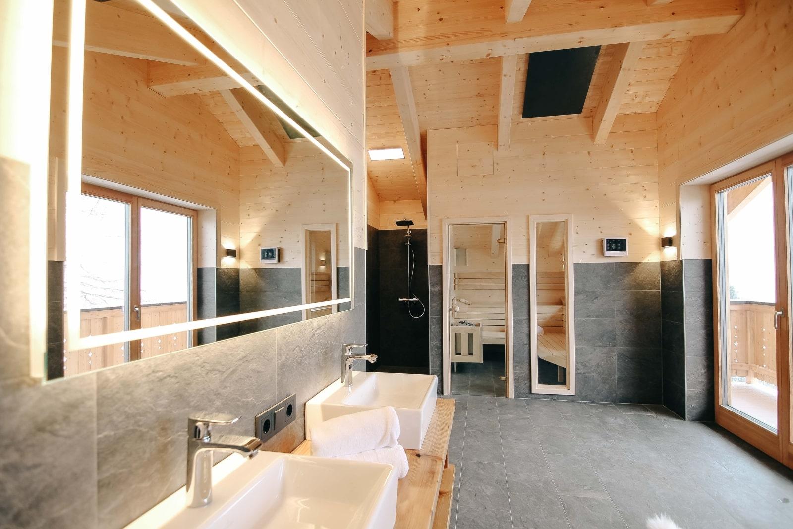 Heidi-Chalet-Falkert-Heidialm-Almsommer-Wellness-Bad-Sauna-Luxus