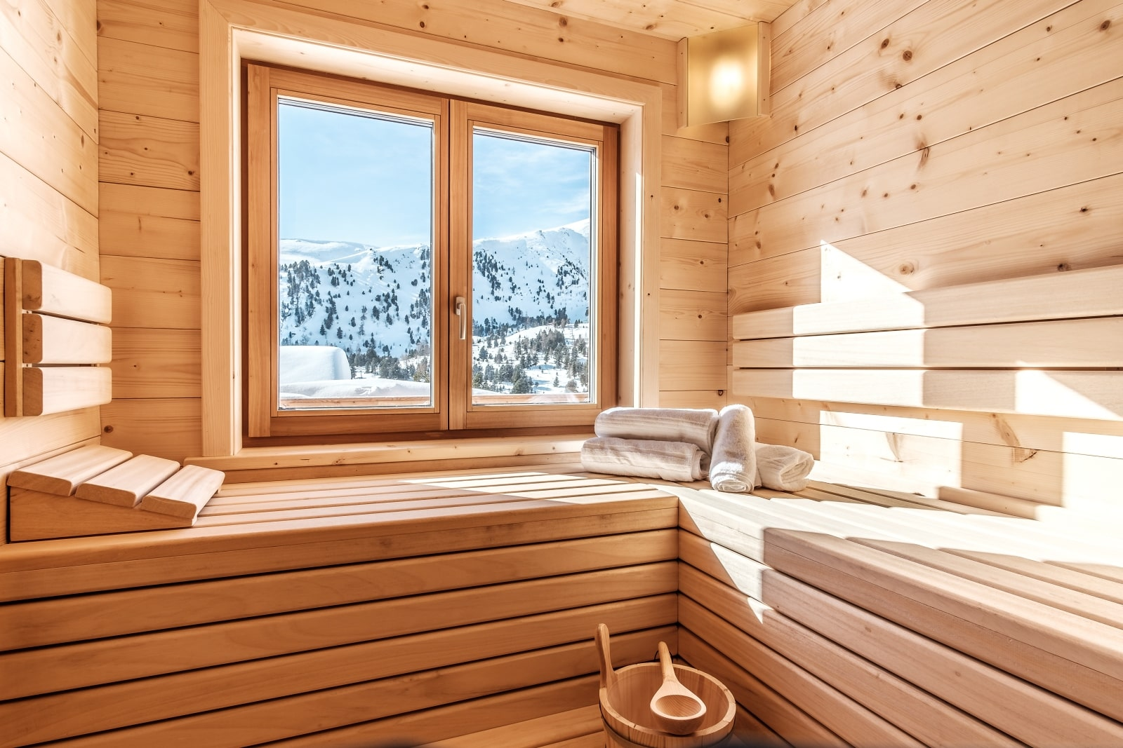 Heidi-Chalet-Falkert-Heidialm-Bergwinter-Ausblick-Falkertsee-Panorama-Sauna-Wellness-Aufguss