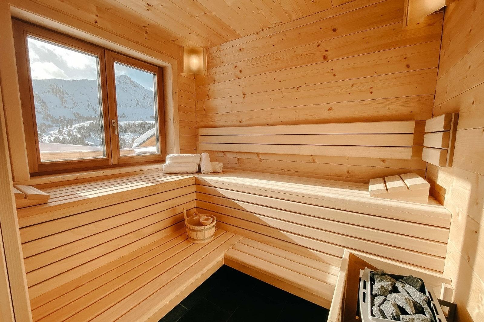Heidi-Chalet-Falkert-Heidialm-Bergwinter-Ausblick-Falkertsee-Panorama-Sauna-Wellness