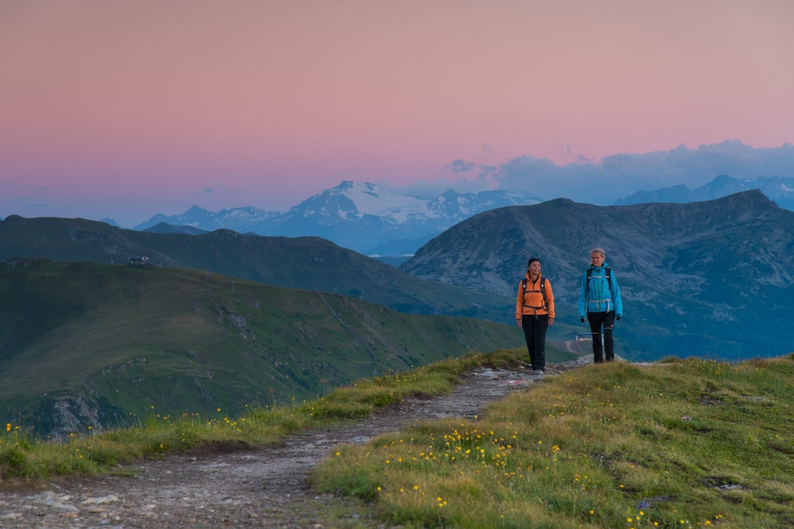Heidi-Chalet-Falkert-Heidialm-Falkertsee-Blick-Gipfel-Abendstimmung-Gletscherblick