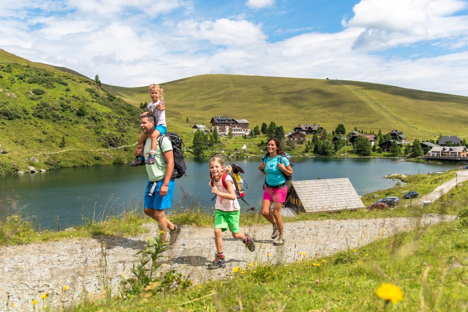 Heidi-Chalet-Falkert-Heidialm-Falkertsee-Natur-Wandern-Kinder