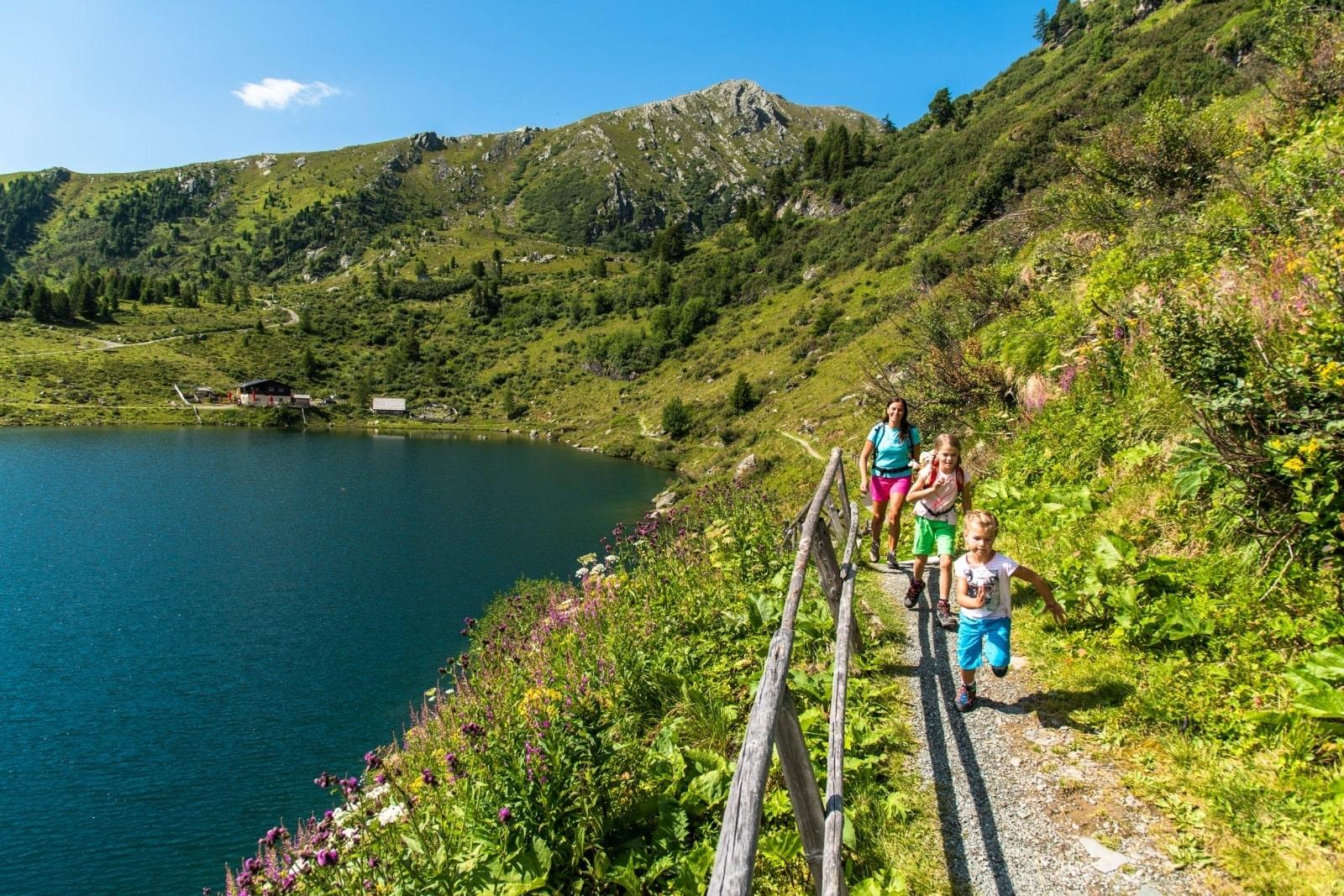 Heidi-Chalet-Falkert-Heidialm-Falkertsee-Rundweg-Natur-Wandern