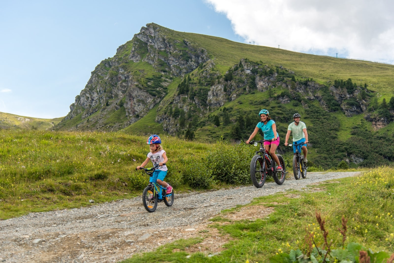 Heidi-Chalet-Falkert-Heidialm-Natur-See-Biken-Fahrrad-Kinder-Zirbenhuette-Weg