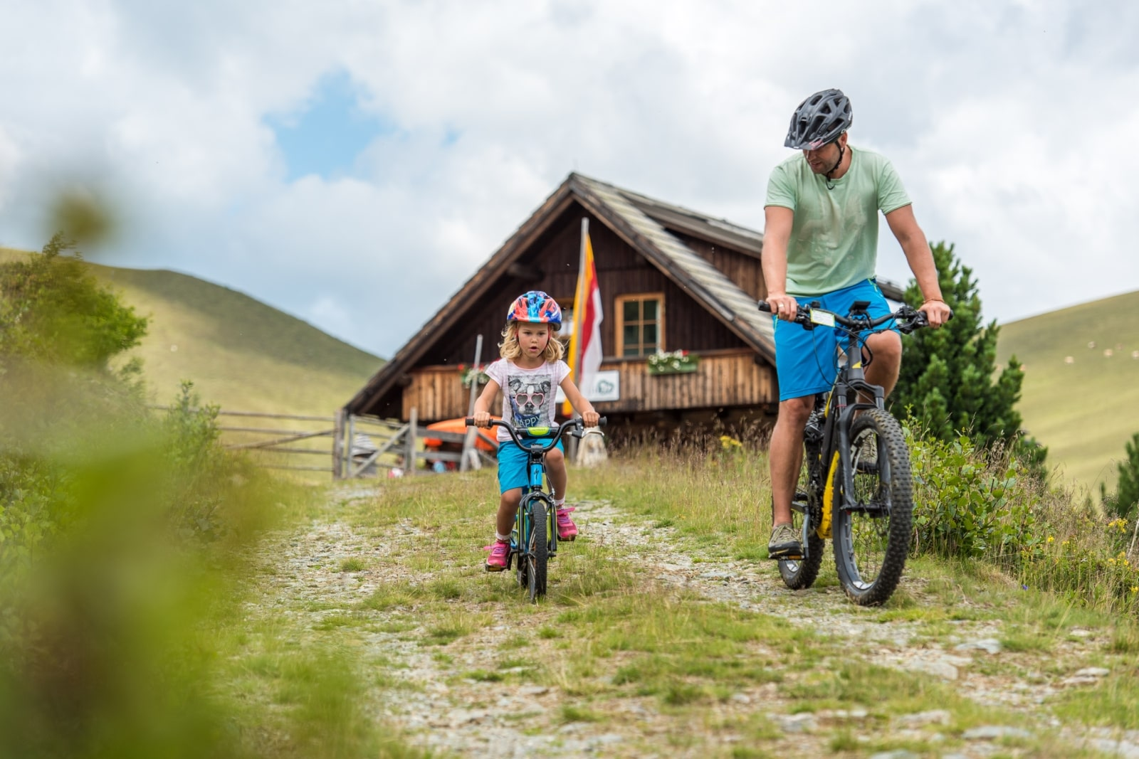 Heidi-Chalet-Falkert-Heidialm-Natur-See-Biken-Fahrrad-Kinder-Zirbenhuette