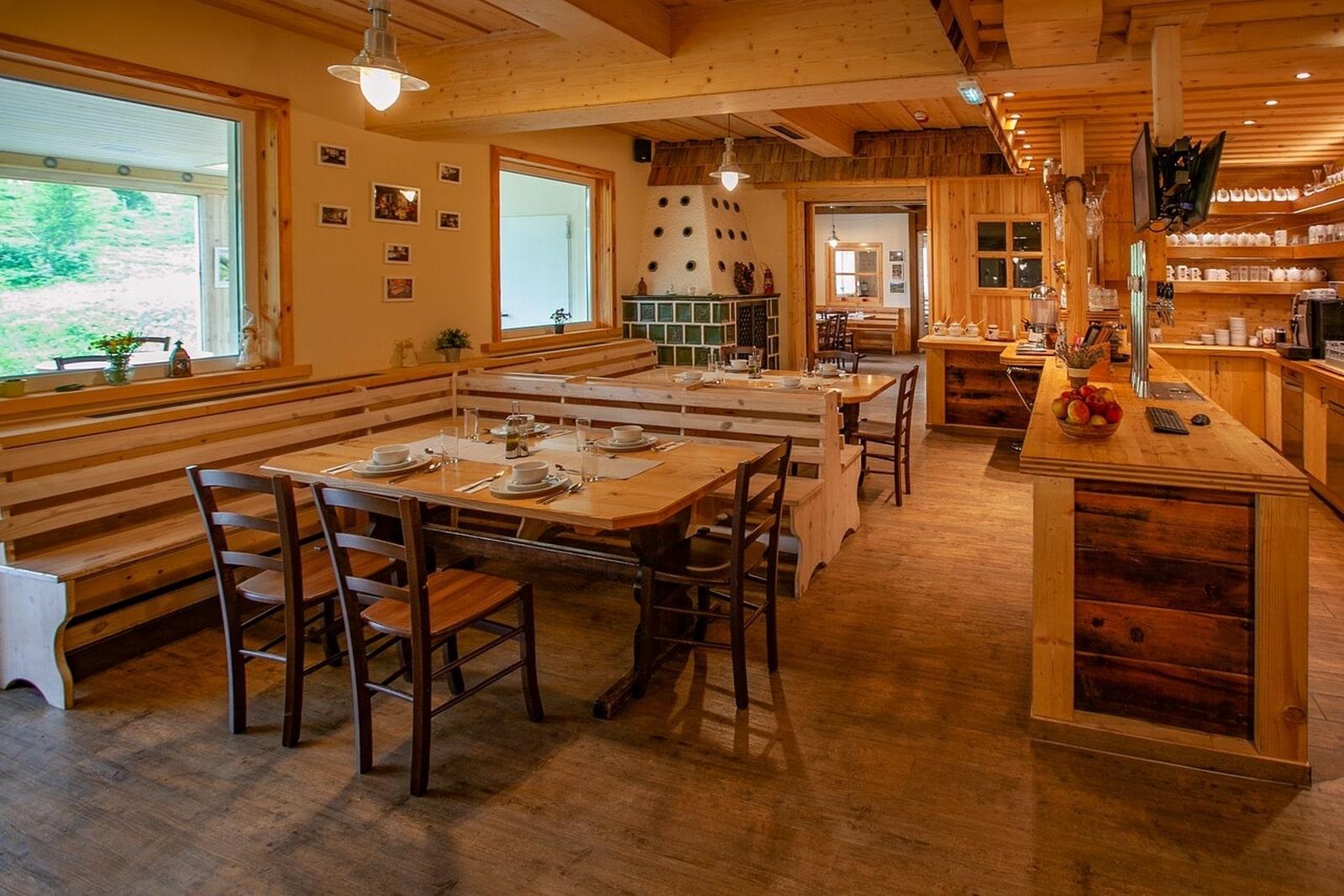 Heidi-Chalet-Falkert-Heidialm-Restaurant-Falkert-Schneekoenig-Innen