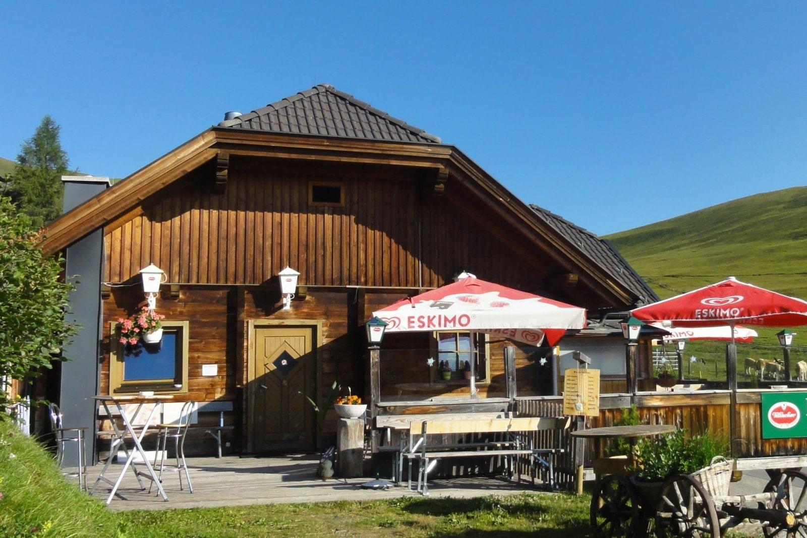 Heidi-Chalet-Falkert-Heidialm-Restaurant-Falkert-Stueberl-Sommer-Terrasse