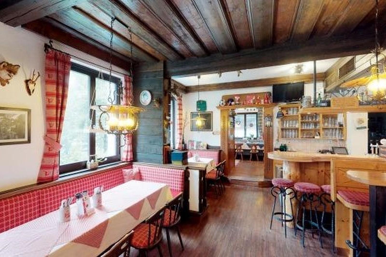 Heidi-Chalet-Falkert-Heidialm-Restaurant-Kaertner-Haus
