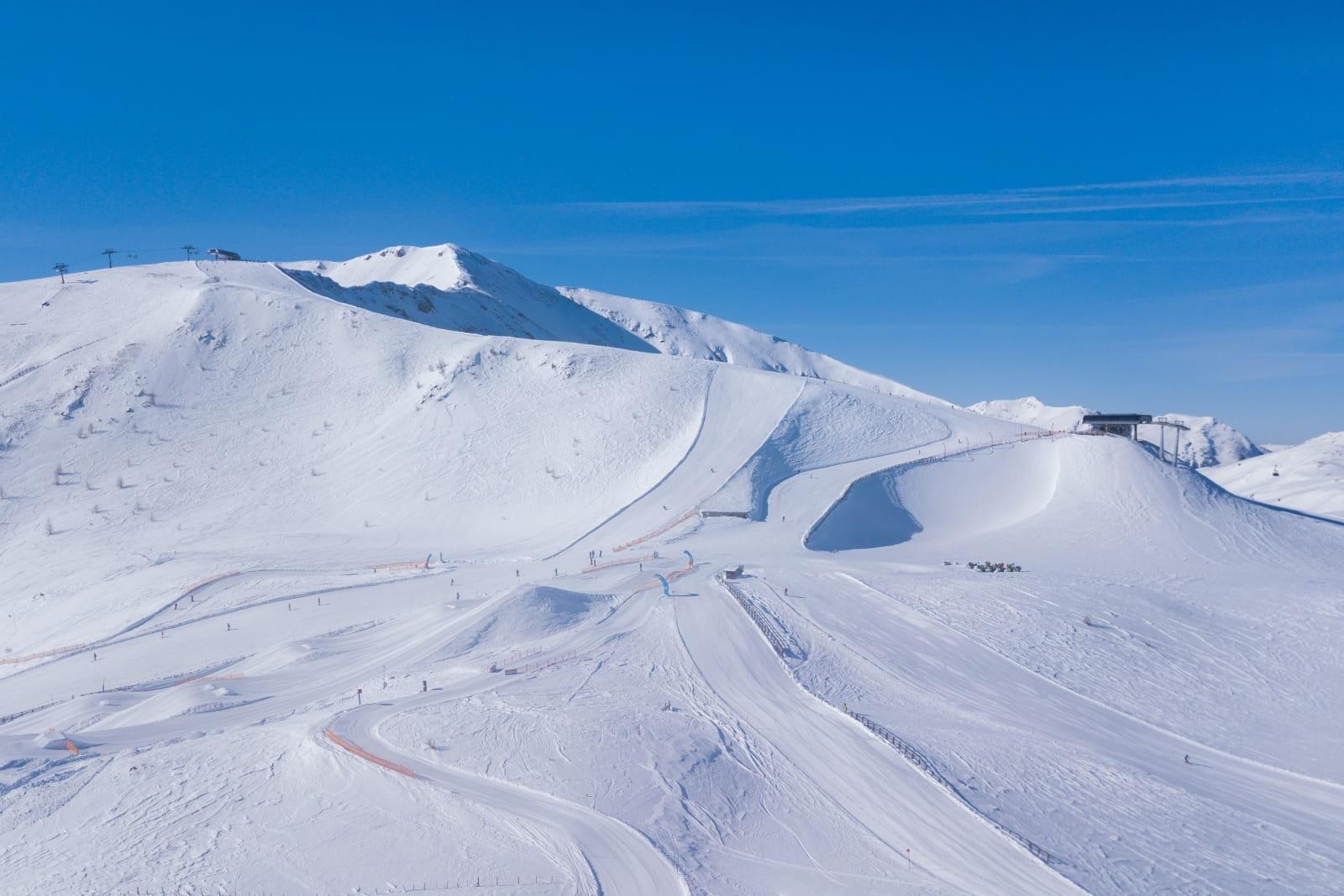 Heidi-Chalets-Turracher-Hoehe-Piste-Panorama